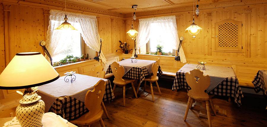 italy_dolomites_kronplatz_hotel-brunella_stube.jpg